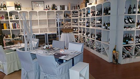 Az OK Wine Bar Wroclaw legelegánsabb borétterme és vinotékája